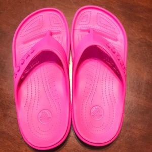 Crocs Pink Flip Flops Sandals Girls Size 2